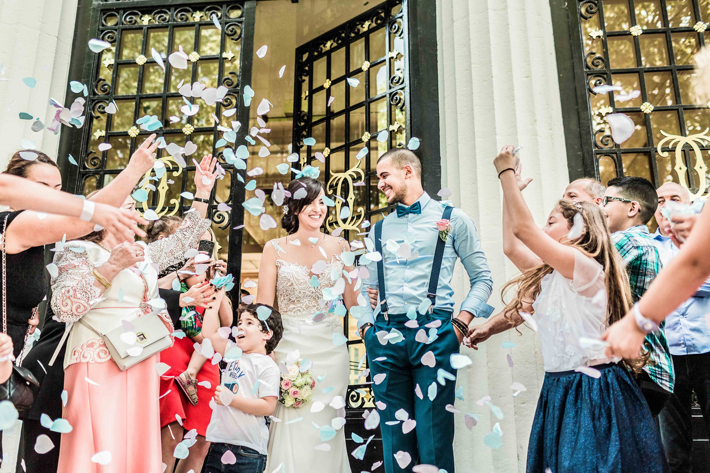 sortie-mairie-courbevoie-mariage