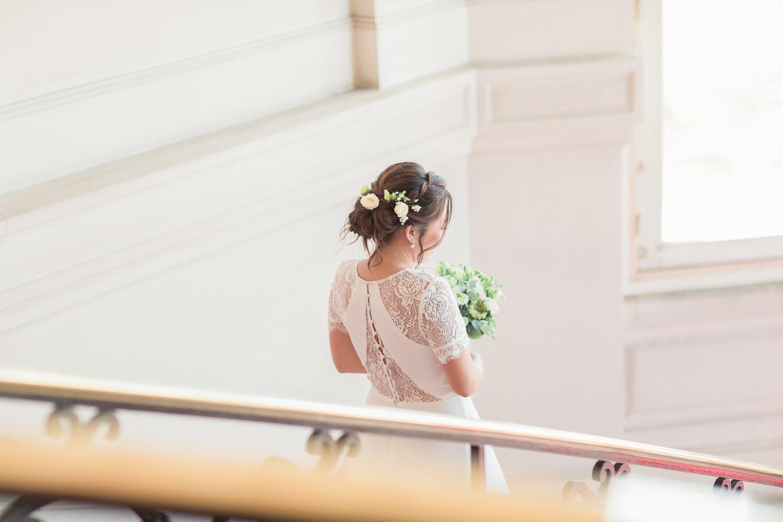 ascalier-mairie-asnière-fin-cérémonie-mariagejpg-17