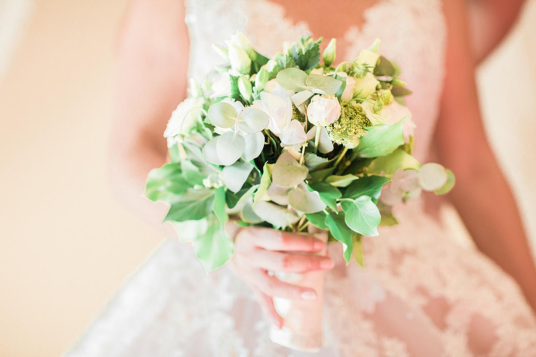 bouquet-préparatifs-mariée-bonheur-nature-33
