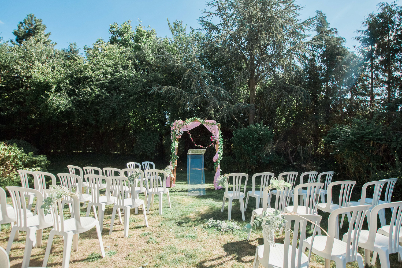cérémonie-laique-champetre-mariage-heureux-24