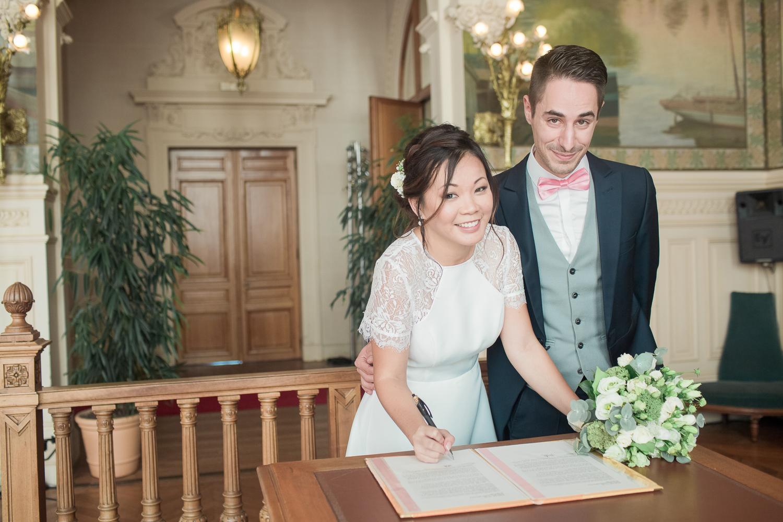 signature-acte-mariage-mairie-asnières-4