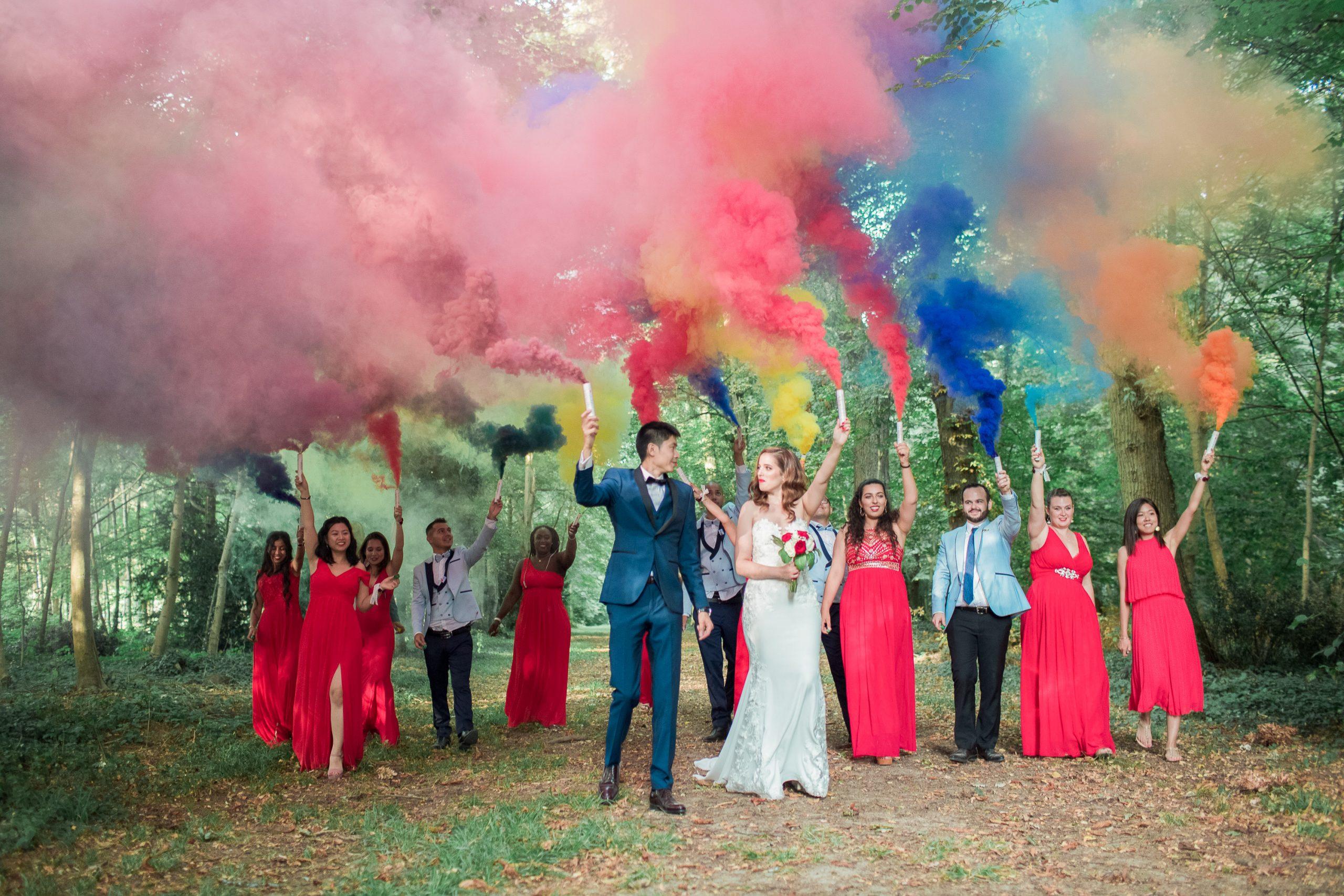 photographe-mariage-chateau-nandy-exterieur-fumigéne