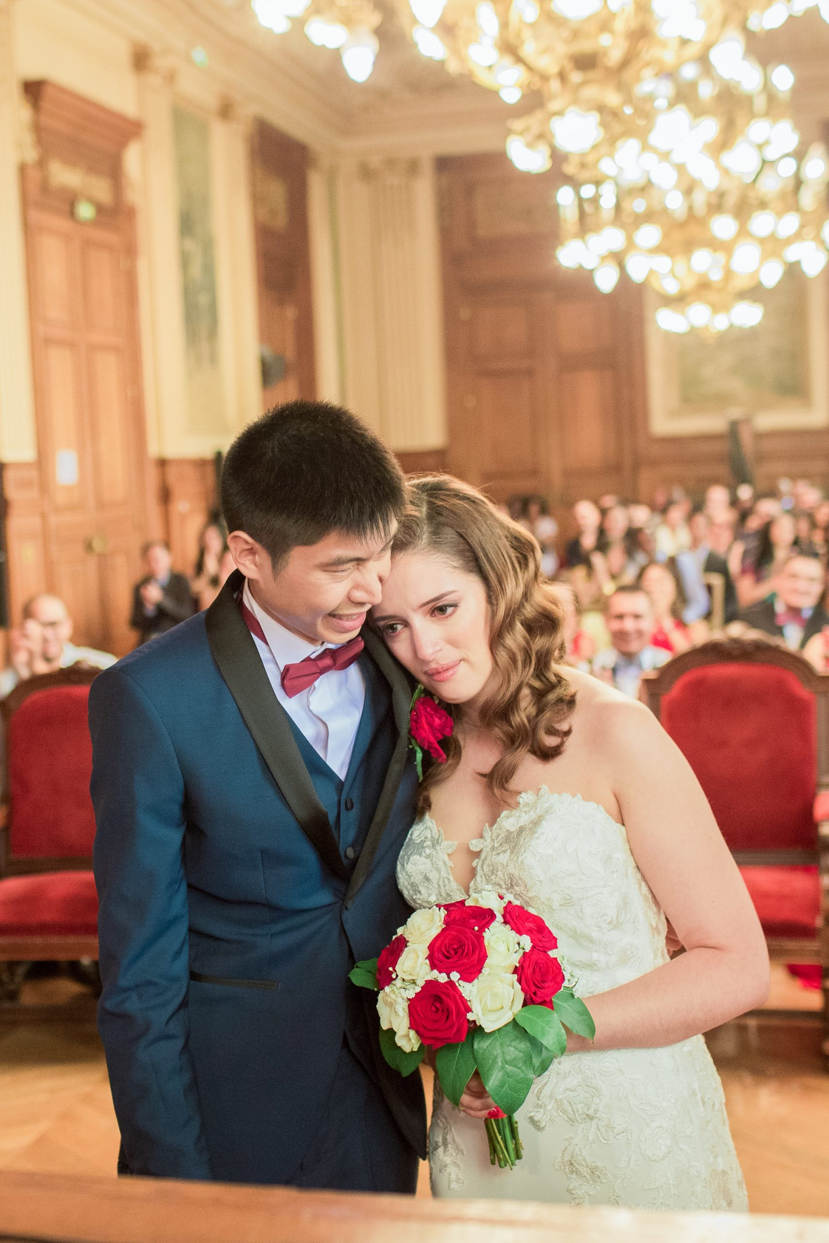 photographie-mariage-emotion-naturel-paris-mairie-18eme